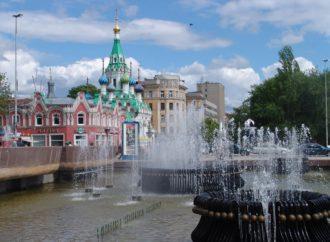 Михаил Исаев оценил реконструкцию сквера по улице 2-я Садовая и осмотрел фонтан «Мелодия»
